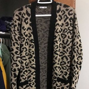 Dex leopard cardigan size small